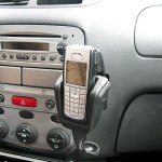 researchers say hands-free phone just as risky