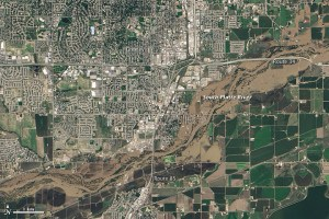 Greeley, Colorado flooding. NASA Earth Observatory image by Jesse Allen and Robert Simmon, using Landsat data from the U.S. Geological Survey.