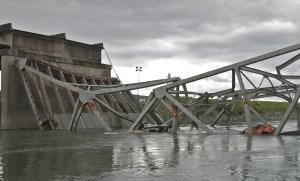 water level view of Washington I-5 bridge collapse. Photo: NTSB