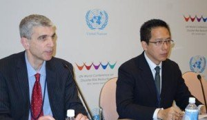 (from left) Dr. Milan Simic, AIR Worldwide, and Jerry Velasquez, UNISDR, briefing the media on a new study on economic losses from natural disasters at the World Conference on Disaster Risk Reduction in Sendai, Japan. (Photo: UNISDR)