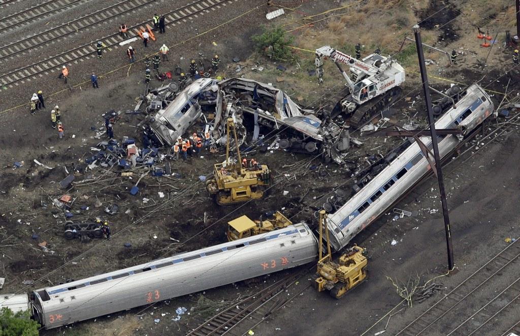 Scene of a deadly Amtrak train derailment, Wednesday, May 13, 2015, in Philadelphia.   (AP Photo/Patrick Semansky)