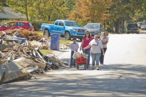 Columbia, SC, October 11, 2015 -- Residents in the SE section of Columbia, SC home made food to their neighbors as they continue to clean up after flood waters overwhelmed their neighborhood. Photo by Patsy Lynch/FEMA