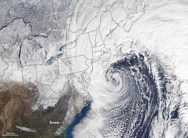 9 killed as deadly Nor'easter pounds East Coast