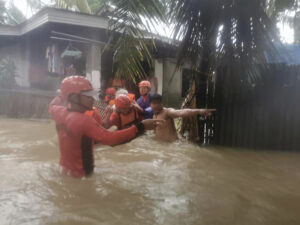 Storm Leaves 3 Dead, Displaces Thousands in Philippines 2